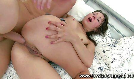 Sekretaris Sunny bok3p korea Leone menggosok vaginanya